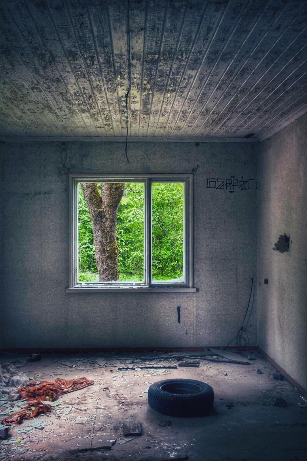 Nimi: Ikkunoista2, Kuvaaja: Esa Suomaa