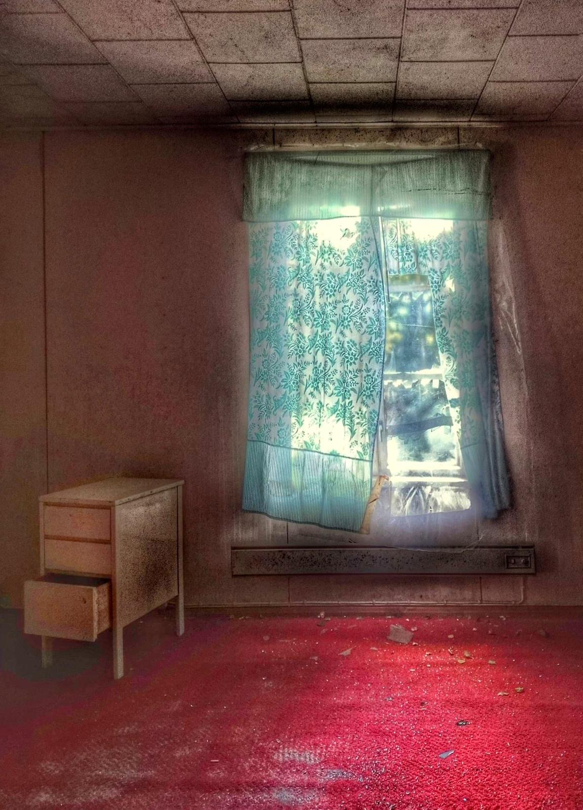 Nimi: Ikkunoista4, Kuvaaja: Esa Suomaa